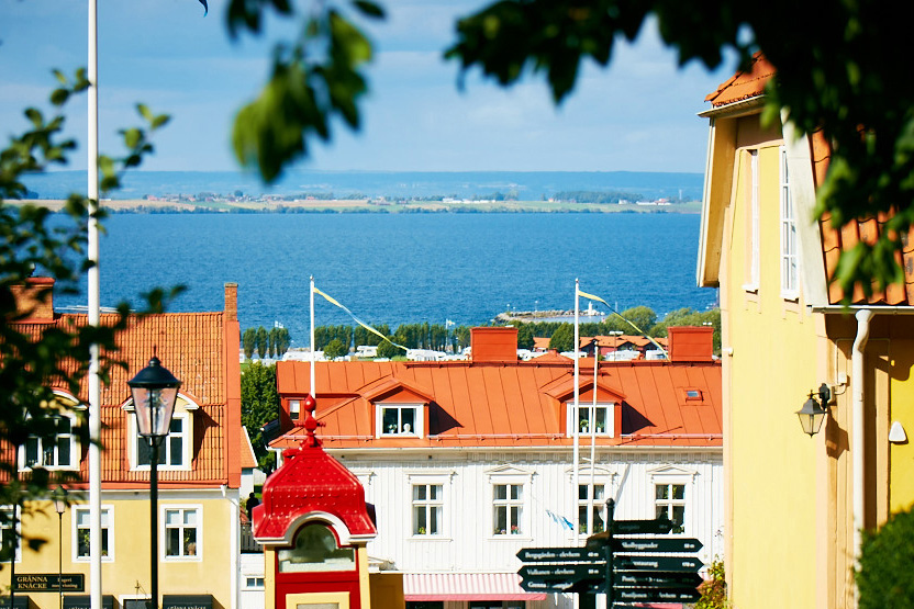 Gränna with Lake Vättern in the background